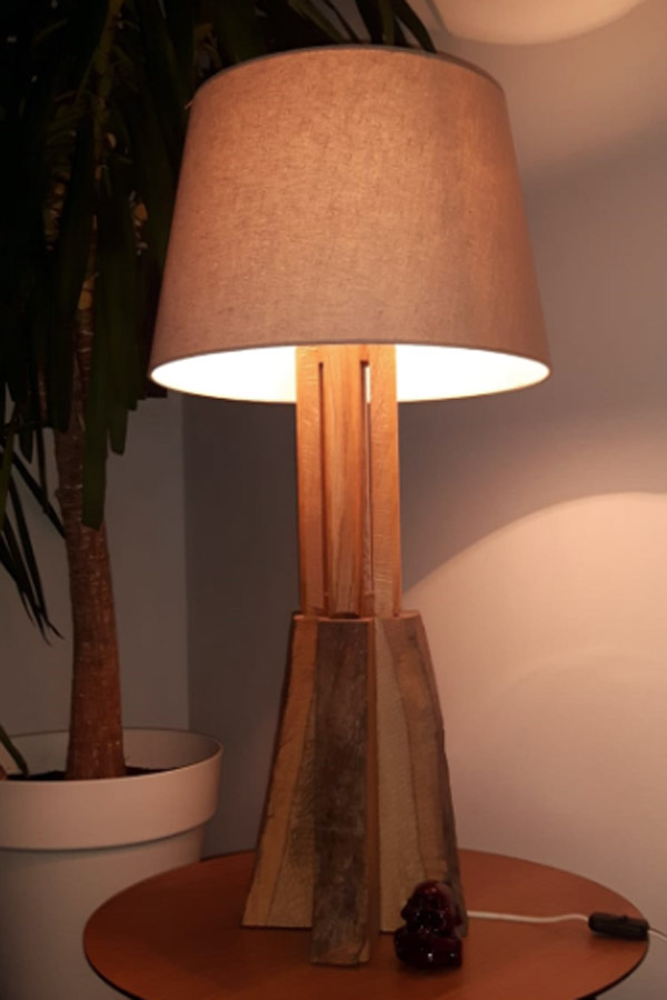 Stehlampe aus Holz 2Sixt Holzbau